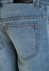 Grunt - Denim shorts - mid blue - 2