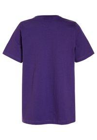 Grunt - LISA TEE - T-shirt con stampa - dark purple - 1