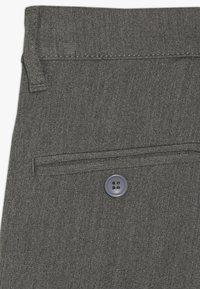 Grunt - DUDE PANT - Oblekové kalhoty - light grey - 4