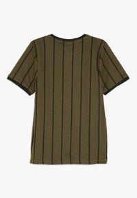 Grunt - NIKOLAJ TEE - Camiseta estampada - army green - 1