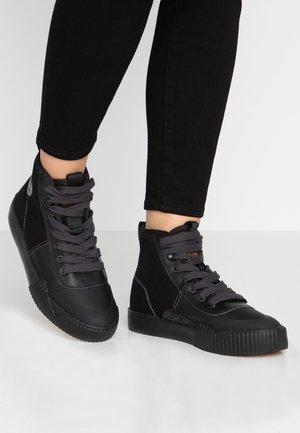 PARTA MID - Korkeavartiset tennarit - black