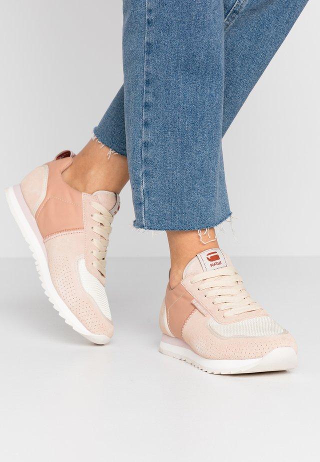 VIN RUNNER - Sneakersy niskie - light liquid pink/bisque