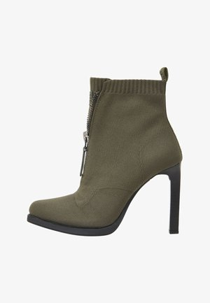STRETT HEEL - High heeled boots - green