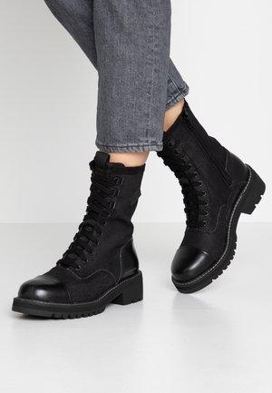 MINOR BOOT - Šněrovací kotníkové boty - black