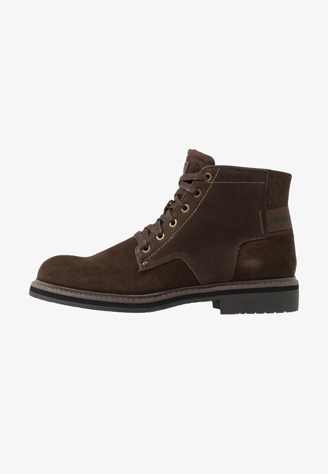 GARBER DERBY BOOT - Botines con cordones - dark brown