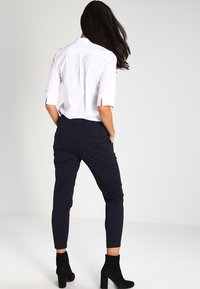 G-Star - BRONSON MID SKINNY CHINO  - Pantalon classique - mazarine blue - 2