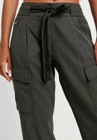 G-Star - CHISEL BF PANT WMN - Trousers - new drapy twill - 6