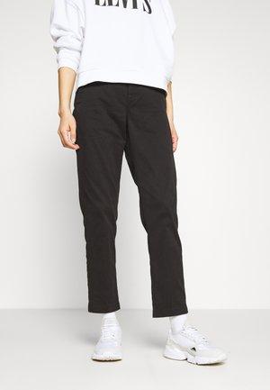 PAGE BF CHINO WMN - Chino kalhoty - black