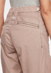 G-Star - ARMY CITY MID BOYFRIEND STRAIGHT - Trousers - lt skin gd - 2