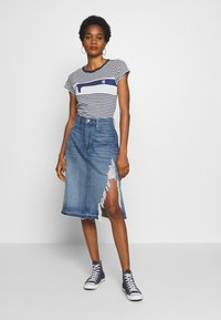 G-Star - 3301 A-LINE MIDI RIPPED  - A-linjainen hame - faded ripped shore - 1