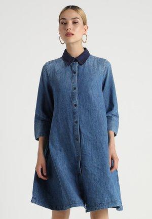 DELINE DRESS 3/4 - Spijkerjurk - blue denim