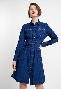 G-Star - TACOMA ZIP STRAIGHT FLARE DRESS - Denim dress - rinsed denim - 0