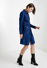 G-Star - TACOMA ZIP STRAIGHT FLARE DRESS - Denim dress - rinsed denim - 1