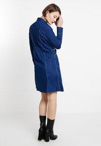G-Star - TACOMA ZIP STRAIGHT FLARE DRESS - Denim dress - rinsed denim - 2