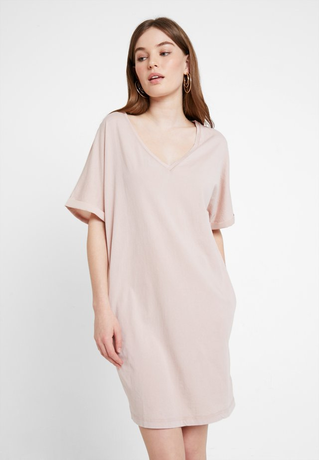 JOOSA - Vestido ligero - liquid pink