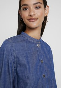 G-Star - BRISTUM SLIM FLARE FRINGE DRESS - Denim dress - rinsed - 4