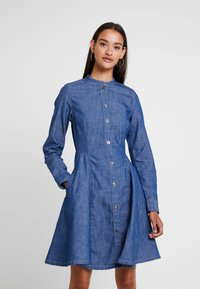 G-Star - BRISTUM SLIM FLARE FRINGE DRESS - Denim dress - rinsed - 0