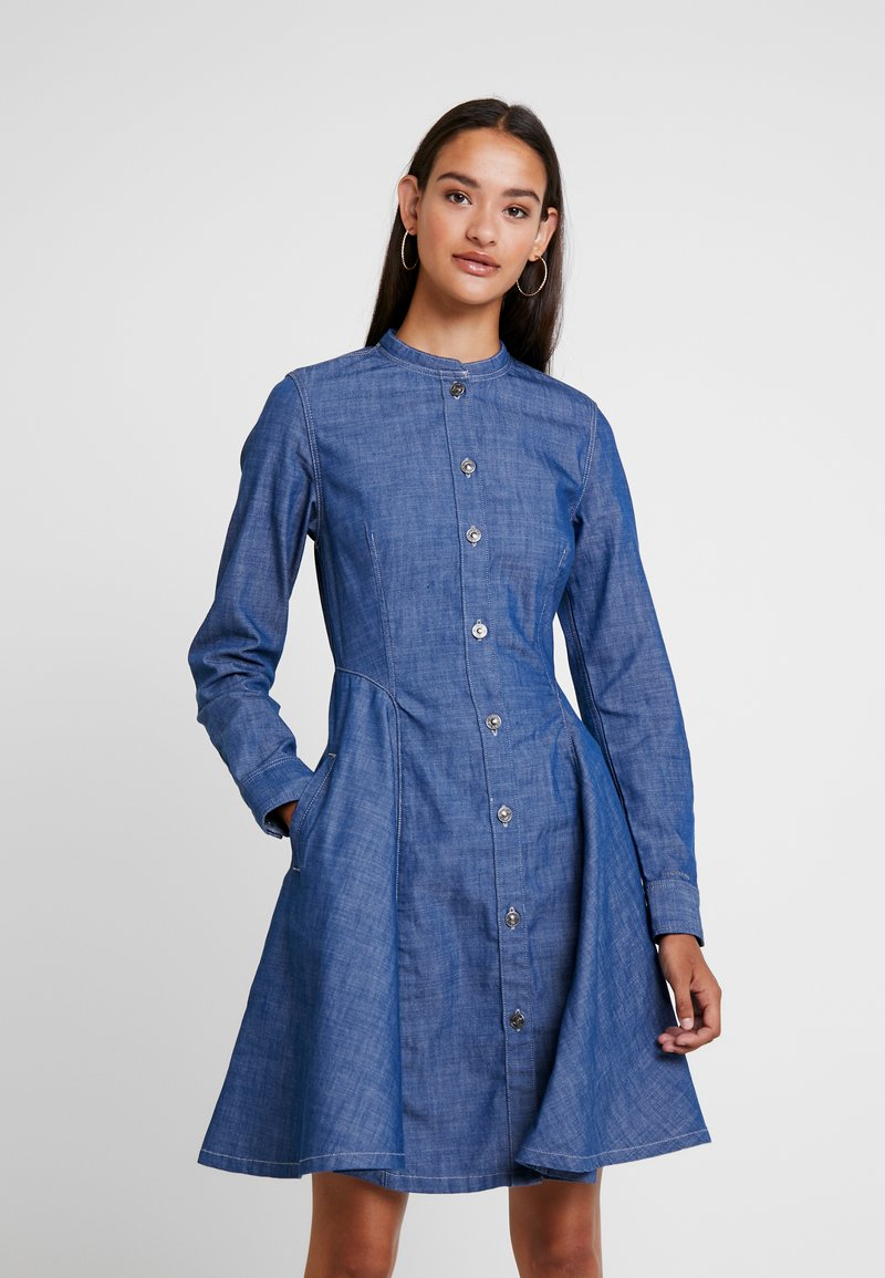 G-Star - BRISTUM SLIM FLARE FRINGE DRESS - Denim dress - rinsed