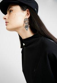 G-Star - JOOSA DRESS FUNNEL WMN S\S - Vestito di maglina - dark black - 5