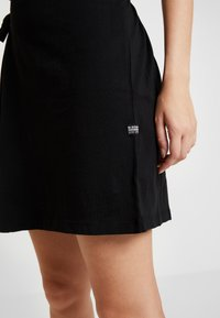 G-Star - DISEM LOOSE DRESS - Jerseyklänning - dk black - 5