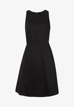 CORE FIT & FLARE SHORT SLEEVE DRESS - Denimové šaty - dark black