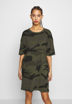 YIVA DRESS - Jerseykjole - green