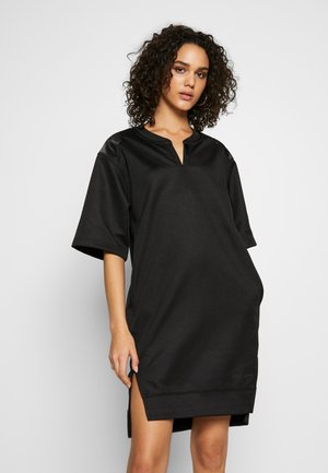 XZYPH YD STRIPE R SW DRESS WMN L\S - Vardagsklänning - black