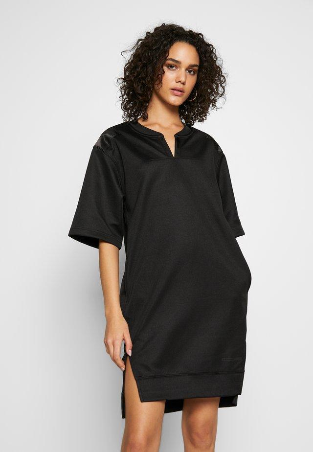 XZYPH YD STRIPE - Korte jurk - black