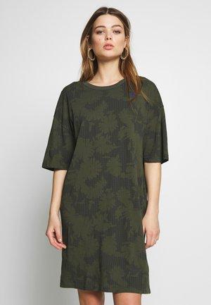 YIVA - Day dress - algae