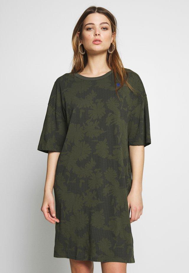YIVA - Korte jurk - algae
