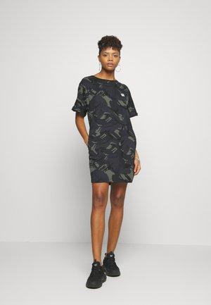 JOOSA DRESS R WMN S/S - Jerseykjole - khaki
