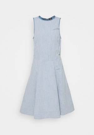 FIT AND FLARE DRESS S\LESS - Robe en jean - rinsed