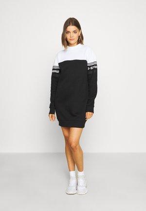BILBI BLOCK FUNNEL SW DRESS WMN LS - Korte jurk - black/white