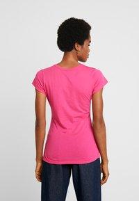 G-Star - EYBEN SLIM V T  S/S - Jednoduché triko - bright rebel pink - 2