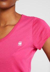 G-Star - EYBEN SLIM V T  S/S - Jednoduché triko - bright rebel pink - 5