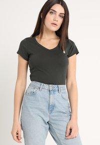 G-Star - EYBEN SLIM - T-shirt - bas - asfalt - 0