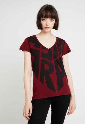 GRAPHIC 50 V T WMN S\S - T-shirt med print - bright russet