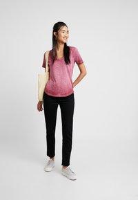 G-Star - MYSID OPTIC SLIM - T-shirt imprimé - port red - 1