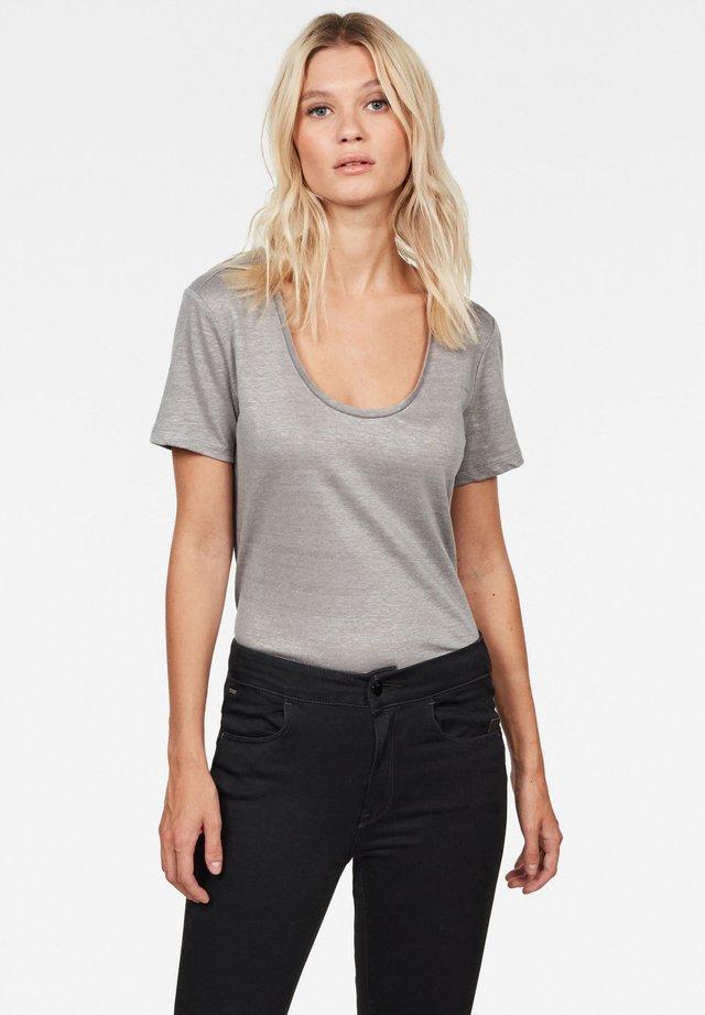 Camiseta básica - shadow