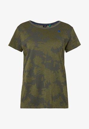GYRE - T-shirt med print - algae/ combat