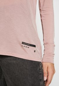 G-Star - GYRE UTILITY V-NECK LONG SLEEVE T-SHIRT - T-shirt à manches longues - berry mist - 5