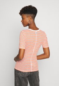 G-Star - SILBER SLIM - T-shirts med print - milk/acid orange - 2