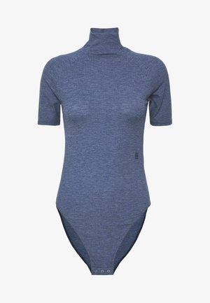 MELAM SLIM BODY 1/2 SLEEVE - Camiseta estampada - servant blue