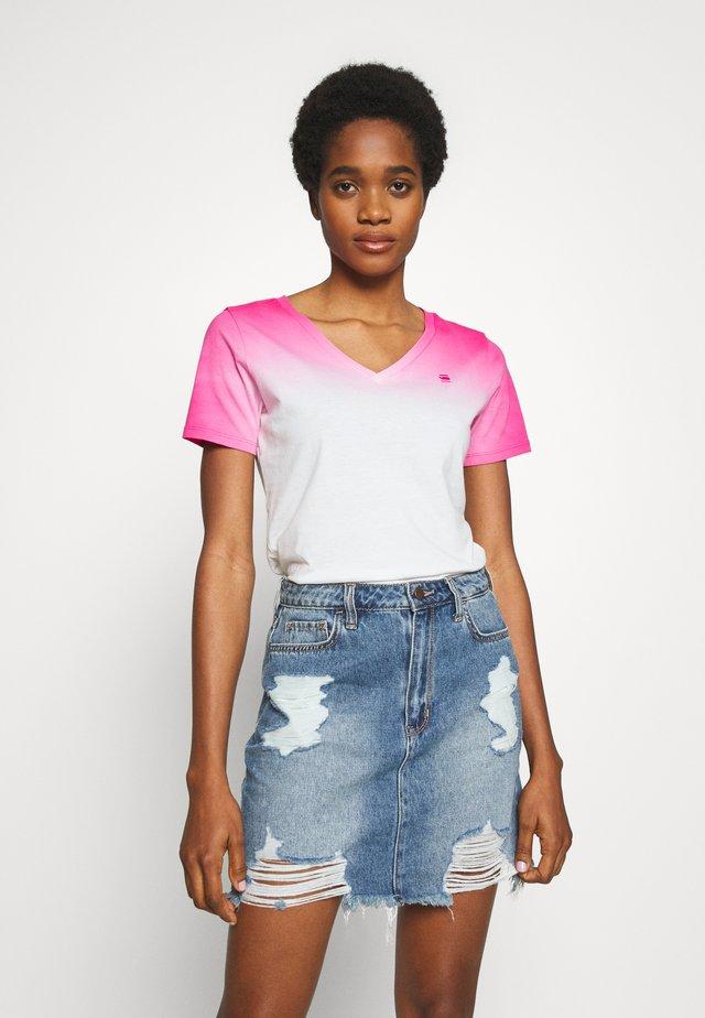 MYSID DIP - Camiseta estampada - bright rebel pink