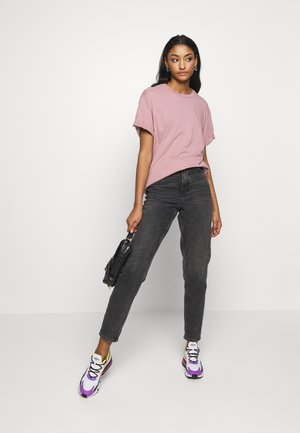 LASH FEM LOOSE R T WMN - T-shirt basic - light berry mist