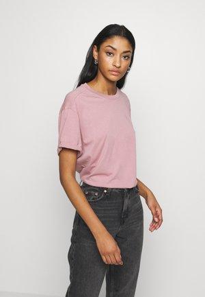 LASH LOOSE  - T-shirt basic - light berry mist