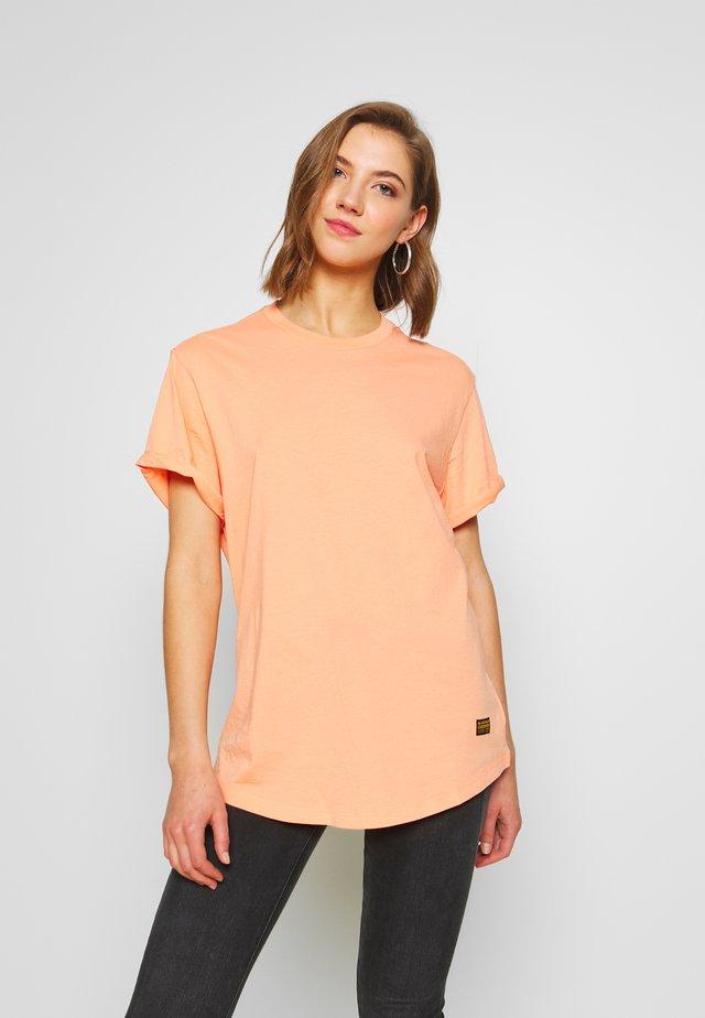 LASH FEM LOOSE - Camiseta básica - tangerine