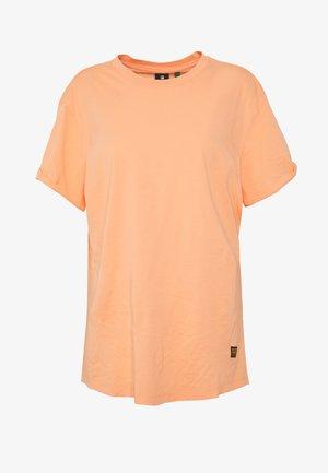 LASH LOOSE  - Basic T-shirt - tangerine