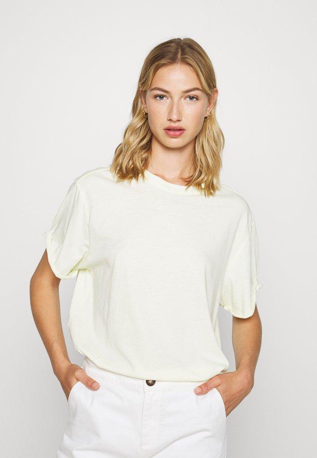 LASH FEM LOOSE WMN - T-shirt basique - lumi green