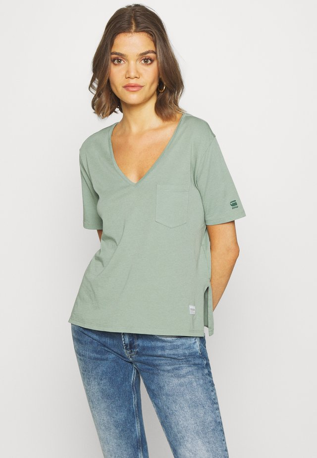 CORE OVVELA - Print T-shirt - light green
